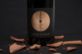 MANOAMANO-64